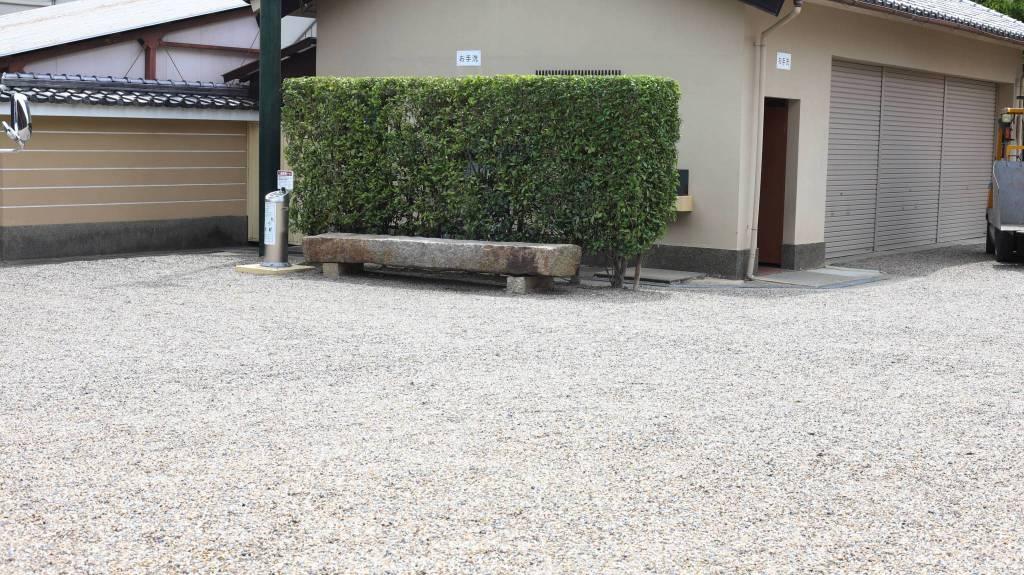 壬生寺ベンチ
