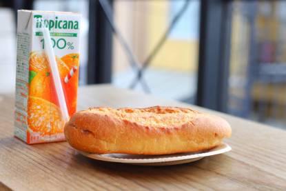 あんバタとオレンジジュース